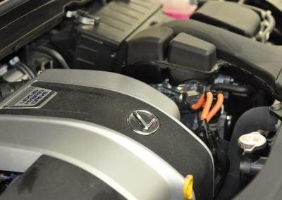 Lexus Hybrid Drive motortér