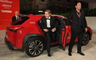 Brad Pitt és Scarlett Johansson is Lexuson érkeztek a Velencei Filmfesztivál megnyitójára