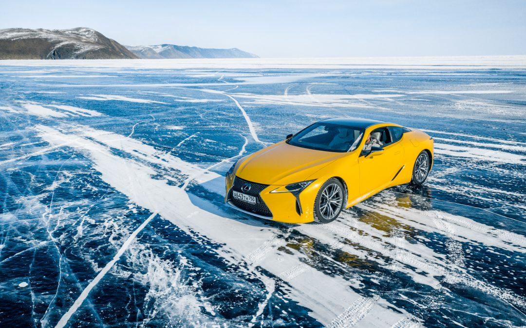 A Bajkál-tó jegén tette próbára modelljeit a Lexus